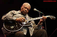 cs-BBKing3-Atlanta82302.JPG (65939 bytes)