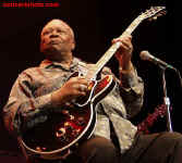 cs-BBKing7-Atlanta82302.JPG (53461 bytes)